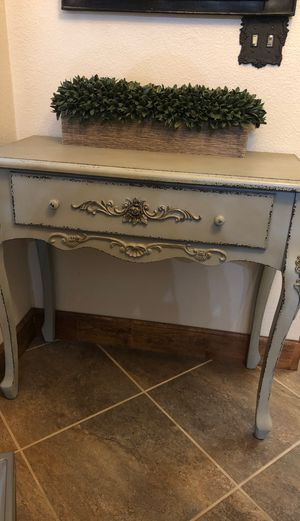 Entry way table for Sale in Hanford, CA