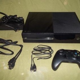All Black Xbox One Nothing Wrong With It 💯💯 for Sale in Baton Rouge, LA