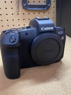 Canon EOS R mirrorless Camera. Like New for Sale in Surprise,  AZ