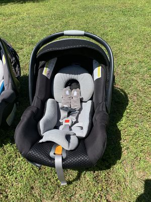Chicco Key Fit 30 car seat with 2 bases for Sale in Thomasville, NC