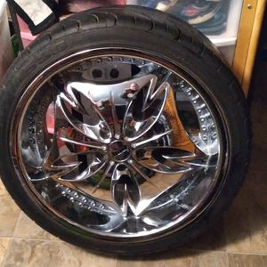"""18"""" Chrome Wheels With Low Profile Tires. for Sale in Hillsboro, OR"""
