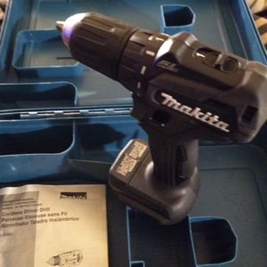 Newer 18 Volt Makita Drill Variable Speed Hard Case And Manual for Sale in Mount Vernon, WA