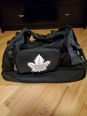 "Toronto Maple Leafs Black 27"" 2-Wheel Rolling Drop Bottom Duffel Bag for Sale in Orland Park, IL"