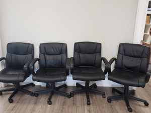 Set of 4 office chairs like new for Sale in Clermont, FL