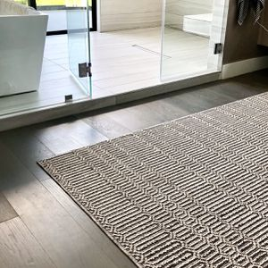 8x10 Knotted Rug for Sale in Beverly Hills, CA