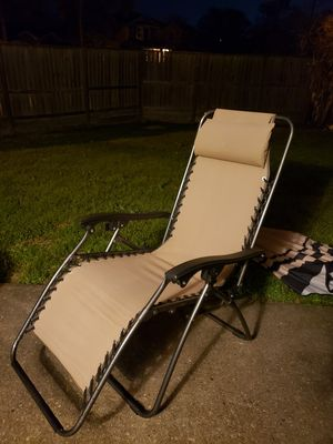 Zero gravity reclining lawn chair for Sale in Tomball, TX