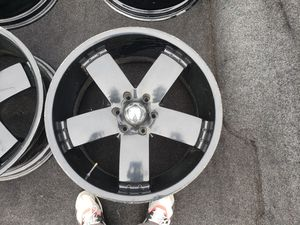 """All black 22"""" rims 6 lug for Sale in West Jefferson, OH"""