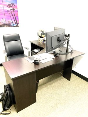 Office desk - L shaped for Sale in Anaheim, CA