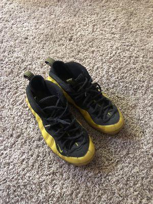 Nike foamposite electrolime. Size 10 for Sale in Chesapeake, VA