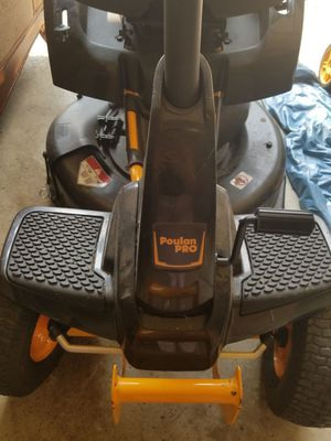 Modern tractor mower normal use for Sale in Sterling Heights, MI