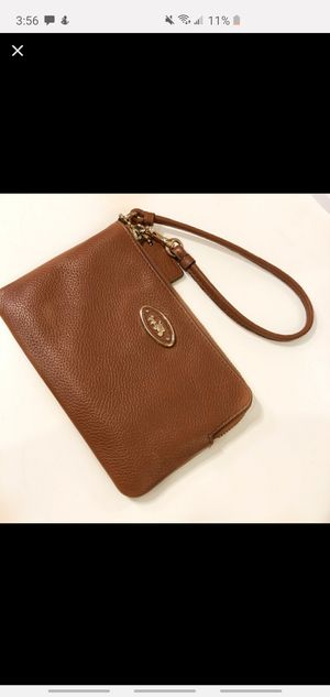 Authentic Coach wristlet for Sale in Selma, CA