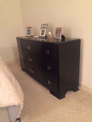 Sofia Vergara dresser (9 drawers) for Sale in Tampa, FL