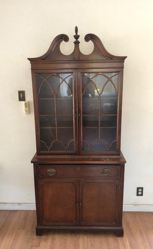 Antique china cabinet for Sale in San Jose, CA