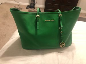 Authentic Micheal Kors tote bag for Sale in Houston, TX