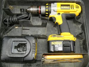 DEWALT XRP CORDLESS DRILL / DRIVER 14.4V - PRICE IS FIRM for Sale in Columbus, OH