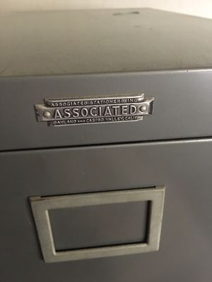 Amazing Oakland/Castro Valley Associated Filing Cabinet Office Furniture for Sale in Castro Valley, CA