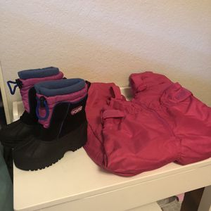 Toddler Girls Snow Bib And Snow Boots 4T/ Boots 10 Toddler for Sale in Santa Clarita, CA
