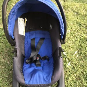 !! Infant Car Seat by Cosco for Sale in San Fernando, CA