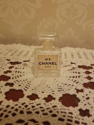 Antique Chanel No 5 perfume bottle for Sale in Ashton-Sandy Spring, MD