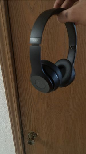 Beats solo 3 brand new Bluetooth headphones . With carry bag for Sale in Belleville, IL