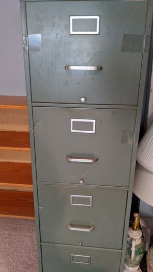 4 drawer filing cabinet for Sale in Cary, NC
