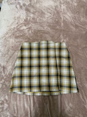 Urban outfitters yellow plaid skirt, Large for Sale in Santa Clara, CA