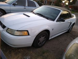 2000 mustang v6 up to date 2500 O.B.O$$$ for Sale in Modesto, CA
