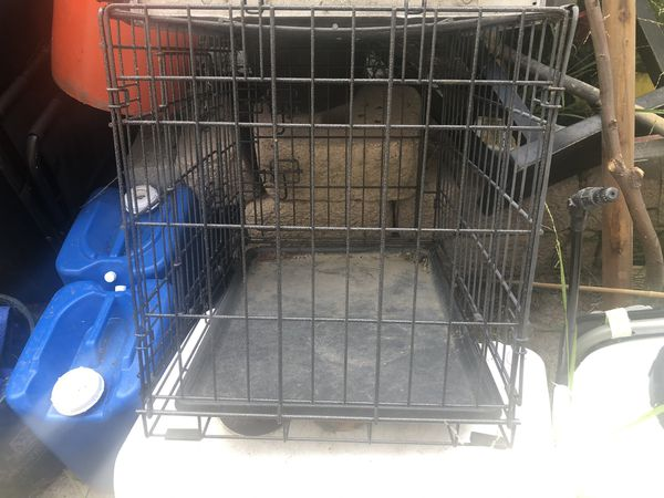 Small dog crate / used