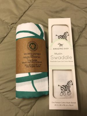 2 New Muslin Swaddle Blankets for Sale in Woodinville, WA
