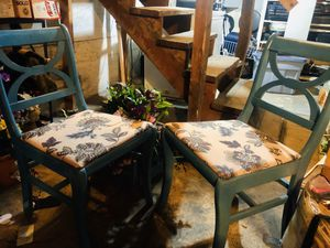 Cute painted accent/kitchen chairs for Sale in Renton, WA