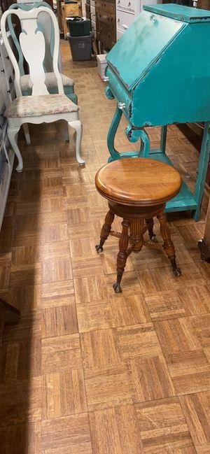 Vintage antique claw foot piano stool pick up la Mesa for Sale in La Mesa, CA