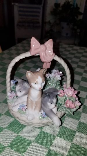 """Lladro #1444 """"Purr-fect"""" 3 Kittens in a Basket for Sale in Peoria, AZ"""