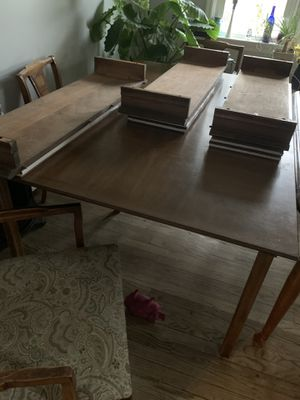 Antique dining table with 3 leaves, padded covers, and 6 chairs for Sale in Ijamsville, MD