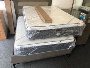 queen mattress with boxspring for Sale in Rialto, CA