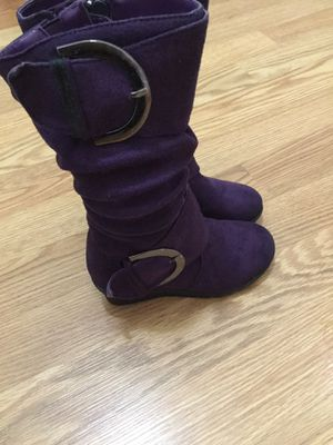 Girl boots color purple size ( 9 ) new for Sale in Downey, CA