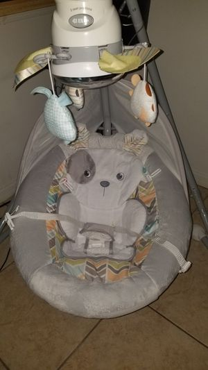 fisher price swings for babies for Sale in VLG WELLINGTN, FL