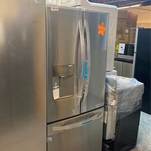 LG 3 Door Refrigerator for Sale in Paterson, NJ