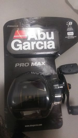 Fishing reel Abu Garcia Pro Max for Sale in Douglasville, GA