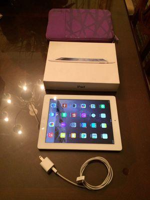 White Apple IPad for Sale in Turlock, CA
