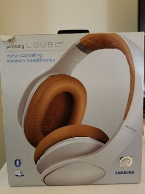 Samsung wireless headphones for Sale in Long Beach, CA