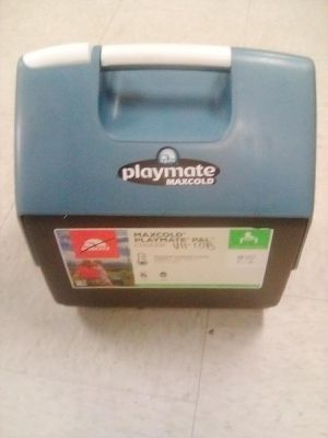 Playmate Maxcold Lunch Box Cooler for Sale in Anaheim, CA