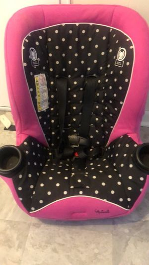 "Girls 40"" car seat for Sale in Fort Washington, MD"