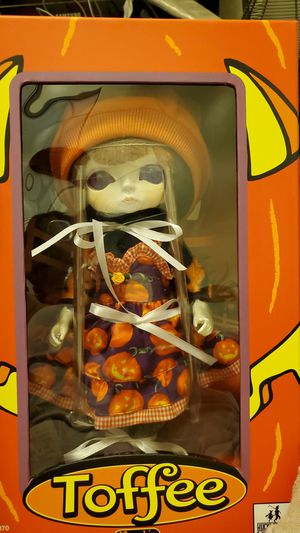 TOFFEE DOLL PUMPKIN for Sale in Montclair, CA
