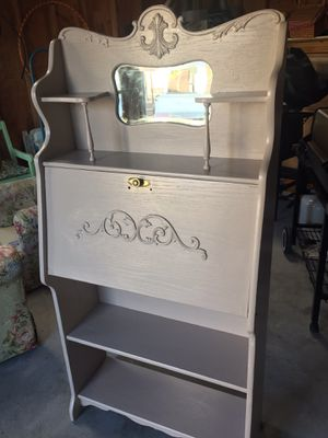 Shabby chic desk/hutch Will help load for Sale in San Bruno, CA
