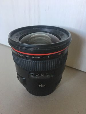 Canon 24mm 1.4 lens for Sale in Tampa, FL