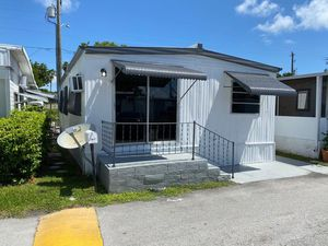 Mobile home 🏡 for Sale in Hialeah, FL