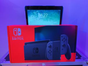 Nintendo Switch Console Gray Joy-Cons 32GB V2 (South Austin Wm. Cannon) for Sale in Austin, TX