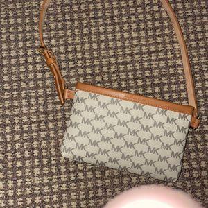 Michael Kors Handbag for Sale in Bend, OR
