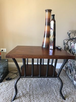 Wood End coffee table and end table for Sale in Orland Hills, IL