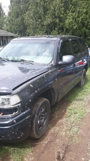 Parting out 2003 GMC Denali for Sale in Everett, WA